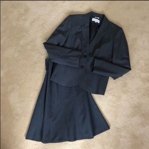 Calvin Klein skirt suit size 4/6